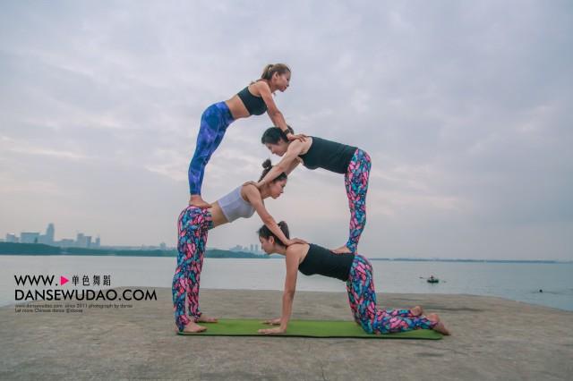 练习瑜伽应该如何放松 郑州舞蹈培训