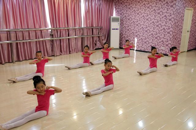 儿童民族舞蹈考级_少儿中国舞_单色舞蹈培训官网