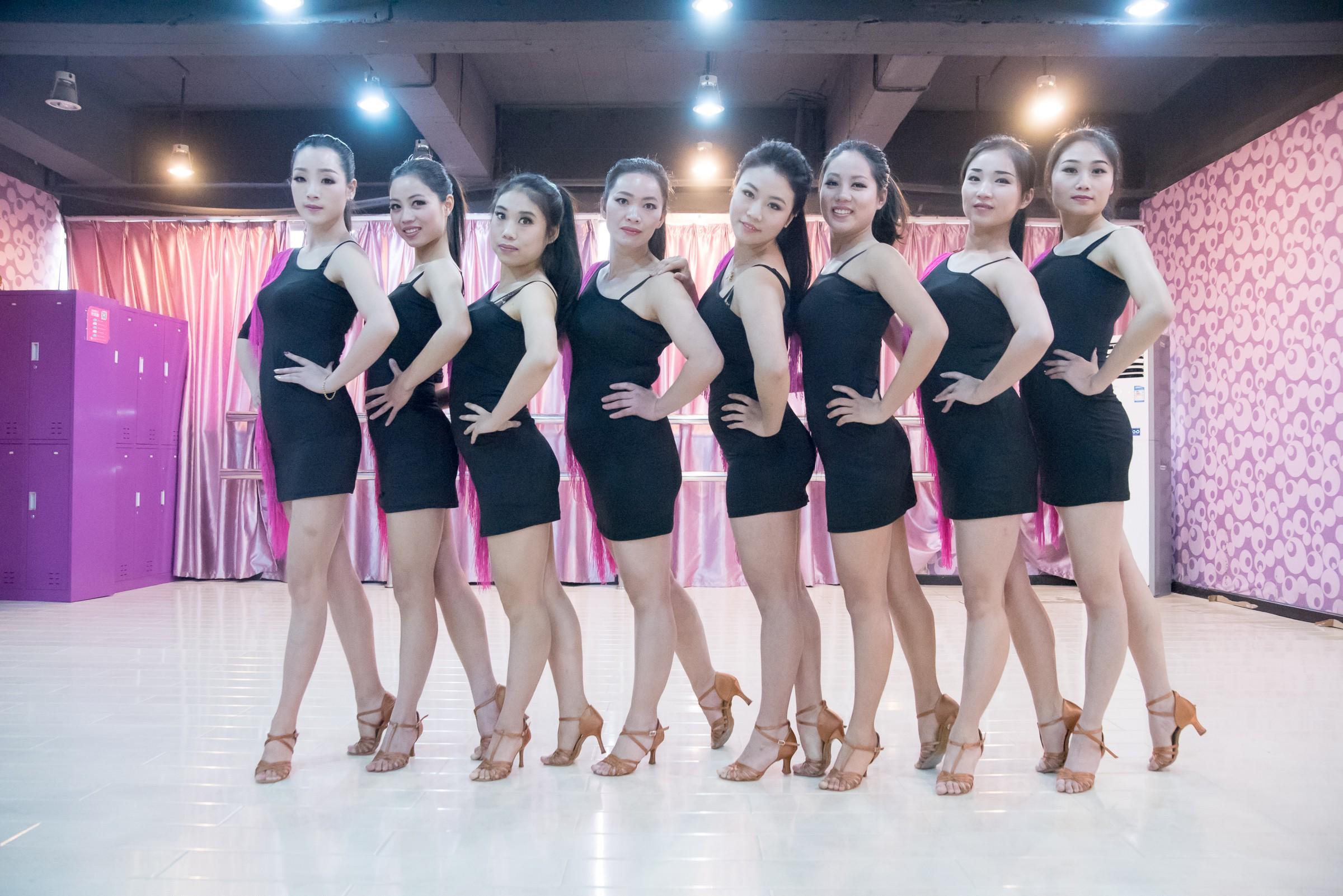 【武汉拉丁舞培训】练习摩登舞的最佳方法